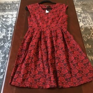 Red and Black Floral, Cap sleeves, Size medium